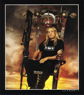 Nicko McBrain – Drums